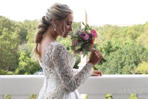 novia con su ramo