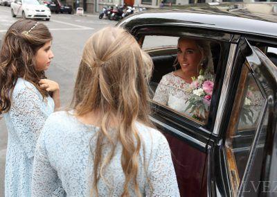 novia en coche boda