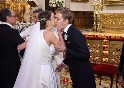 novia llega al altar