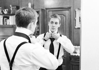 se pone la corbata