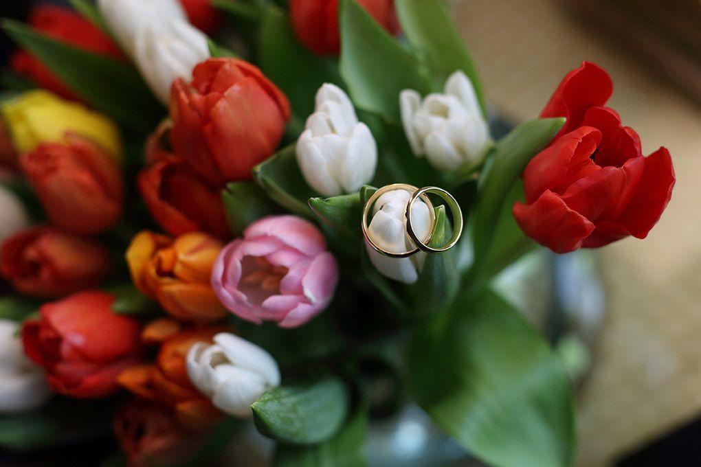anillos y flores