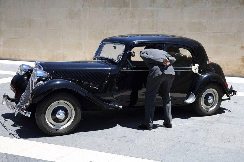 clásico coche de bodas en Madrid.