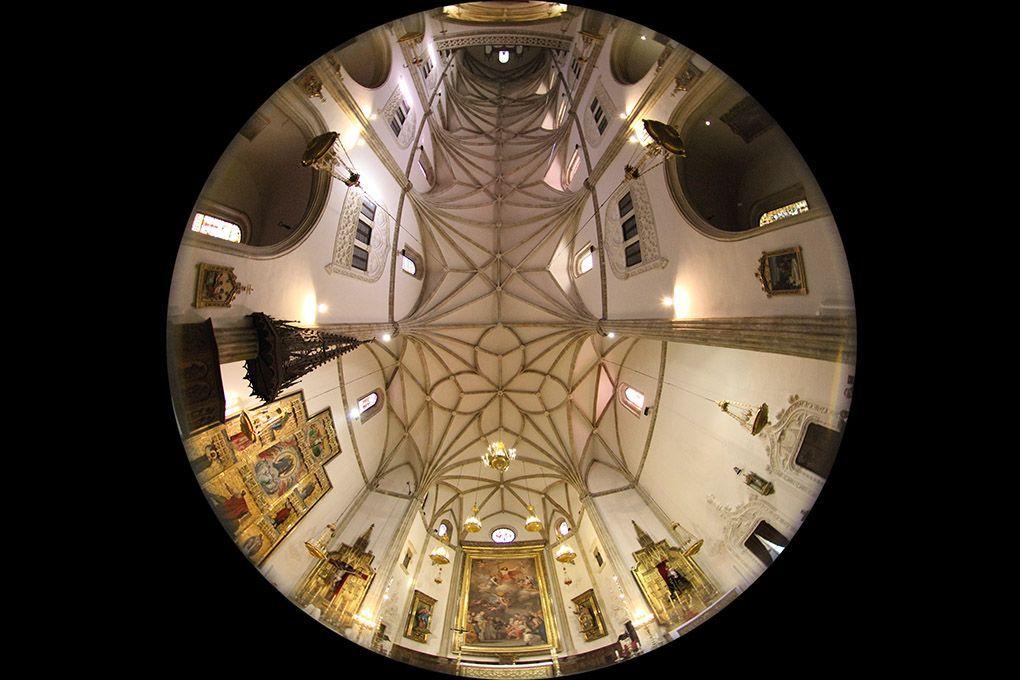 vista de la iglesia entera con ojo de pez