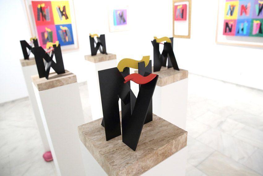 Fotografías exposición de pintura y escultura