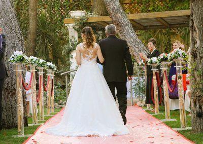 pasillo de la novia vista desde atras