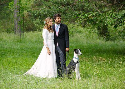 Clara, Carlos y su perro.